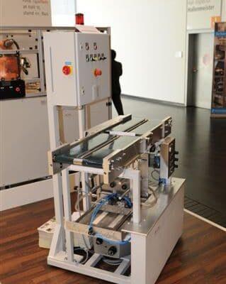Unterblattanleger für die Papier und Druckindustrie von KHU Sondermaschinen