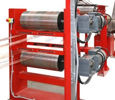 Walzenabzug von KHU Sondermaschinen. Farbe rot.