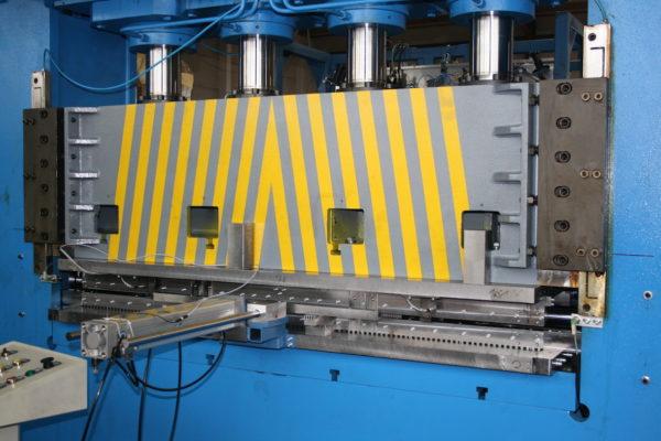80 Tonnen Presse